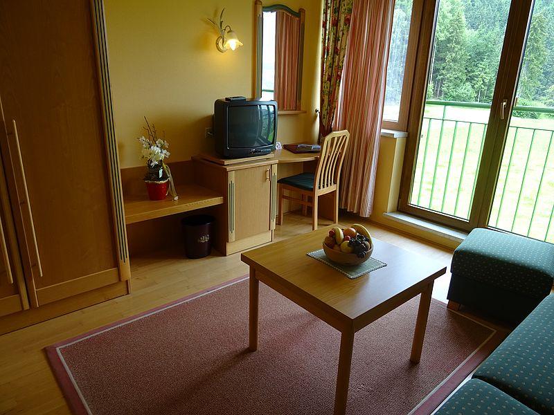 zimmer f r jugendliche im zillertal hotel waldfriede. Black Bedroom Furniture Sets. Home Design Ideas